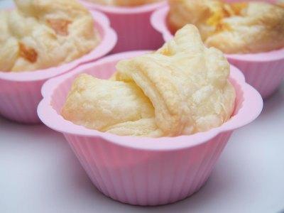 Aχλάδια σε σφολιάτα με βουτυρένια κρέμα, ονειρεμένο γλυκό!