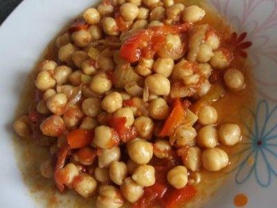 Ρεβύθια με πιπεριές στον φούρνο
