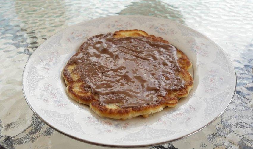 Τηγανίτες: πανεύκολα pancakes με τρία υλικά